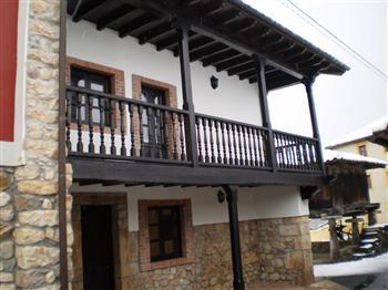 Fotos im genes paisajes fotograf as de mestas asturias - Casa tradicional asturiana ...